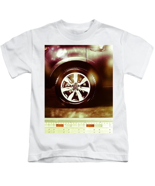 Tire Under The Moonlight Color Kids T-Shirt