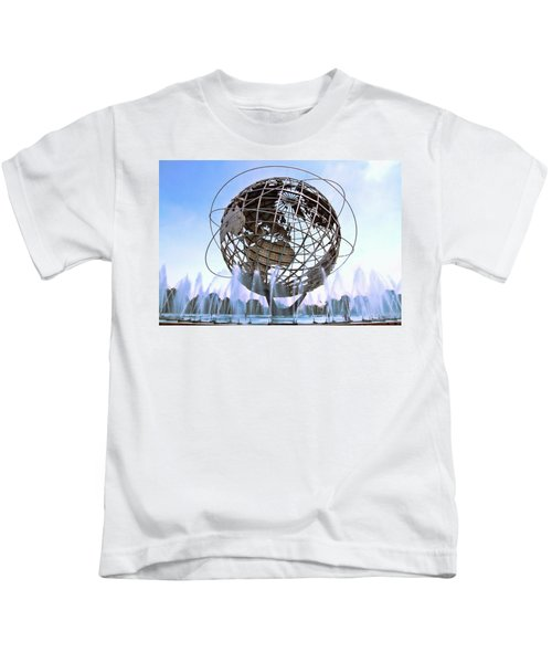 Unisphere With Fountains Kids T-Shirt