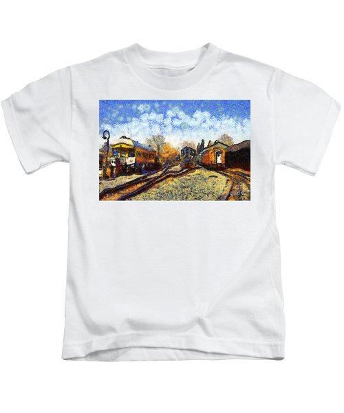 Van Gogh.s Train Station 7d11513 Kids T-Shirt