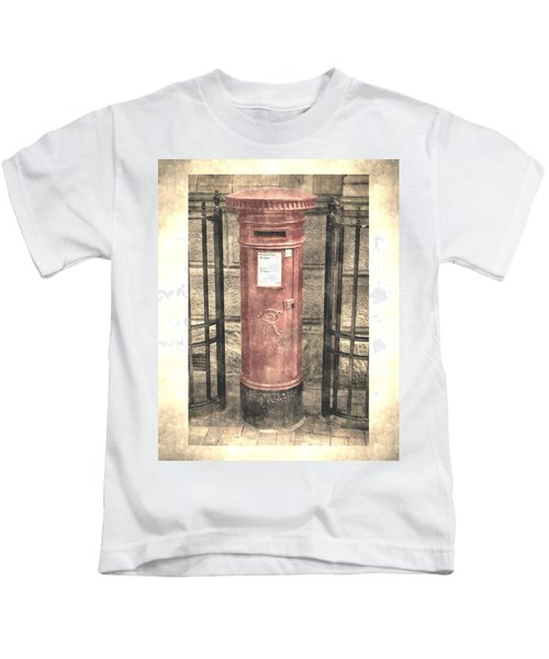 Victorian Red Post Box Kids T-Shirt
