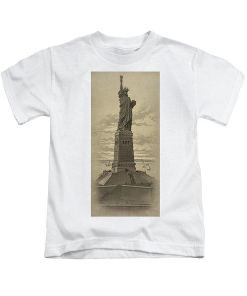 Vintage Statue Of Liberty Kids T-Shirt