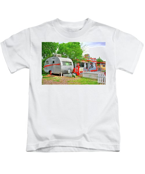 Vintage Trailer And Diner In Bisbee Arizona Kids T-Shirt