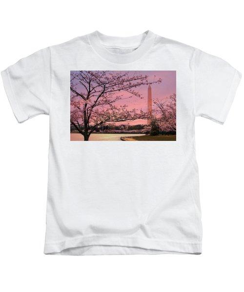 Washington Monument Cherry Blossom Festival Kids T-Shirt