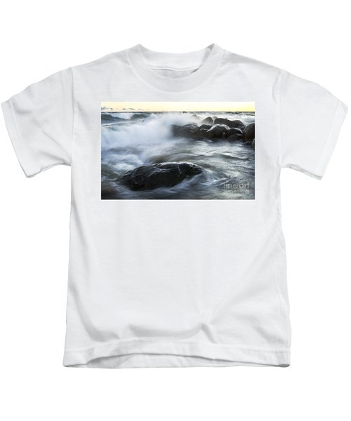 Wave Crashes Rocks 7833 Kids T-Shirt