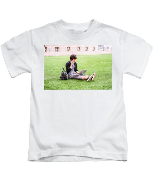 Young Japanese Man Traveling, Working In New York 15041418 Kids T-Shirt