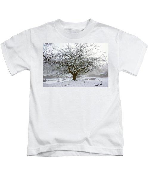 30/01/19  Rivington.  Japanese Pool. Snow Clad Tree. Kids T-Shirt