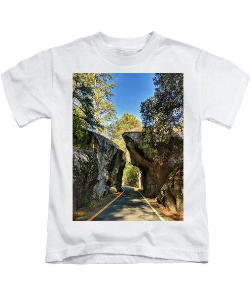 Arch Rock Entrance Kids T-Shirt