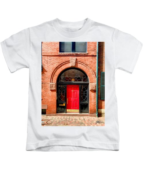 Kids T-Shirt featuring the photograph Beacon Hill Rowhome by Chris Montcalmo
