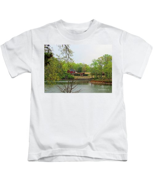 Country Living On The Tennessee River Kids T-Shirt
