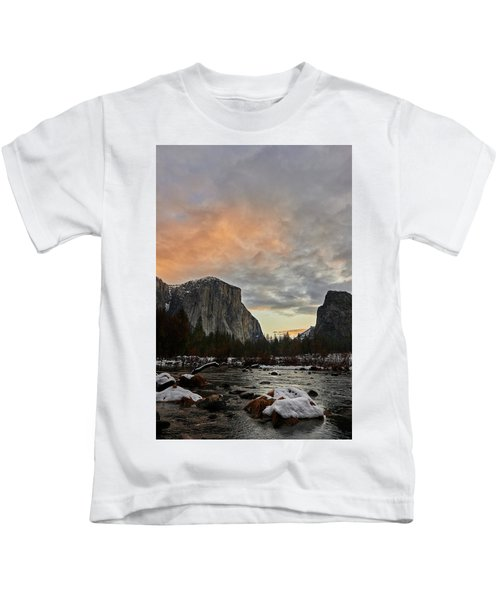 El Capitan At Sunset Kids T-Shirt