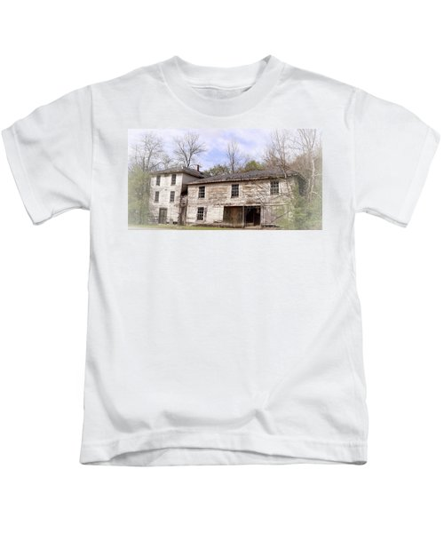 Old Abandoned House In Fluvanna County Virginia Kids T-Shirt
