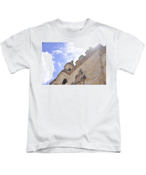 Santo Y Soleado Kids T-Shirt