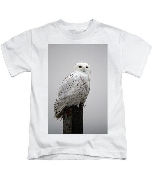 Snowy Owl In Fog Kids T-Shirt