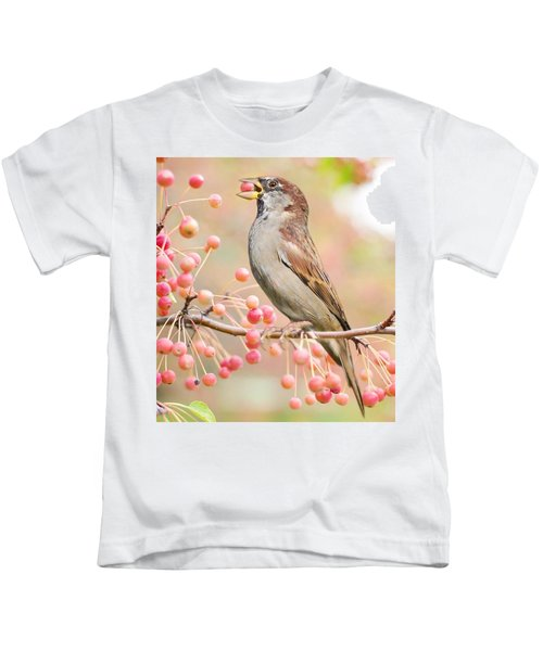 Sparrow Eating Berries Kids T-Shirt