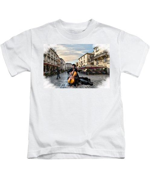 Street Music. Cello. Kids T-Shirt