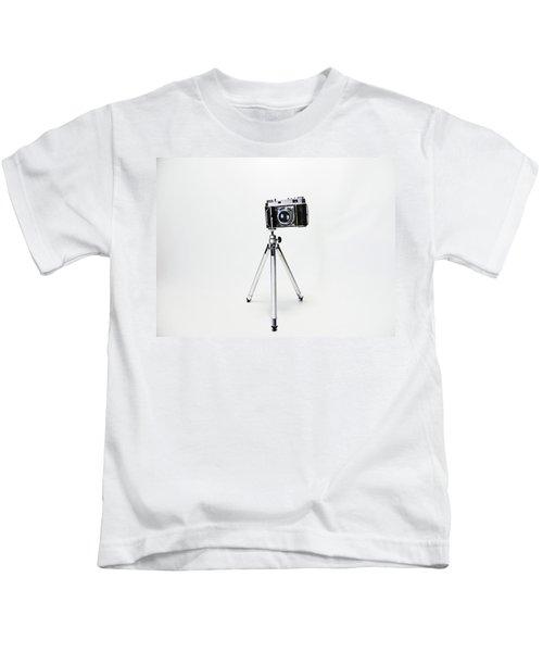 Studio. Kodak Retina 2. Kids T-Shirt