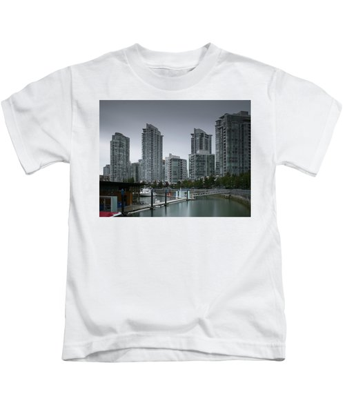 The Quayside Marina - Yaletown Apartments Vancouver Kids T-Shirt
