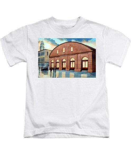Vintage Color Columbia Market House Kids T-Shirt