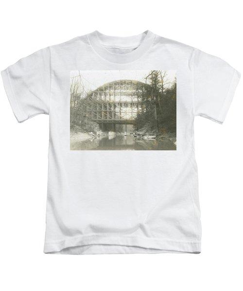 Walnut Lane Bridge Kids T-Shirt