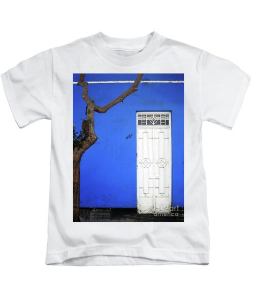 When A Tree Comes Knocking Kids T-Shirt