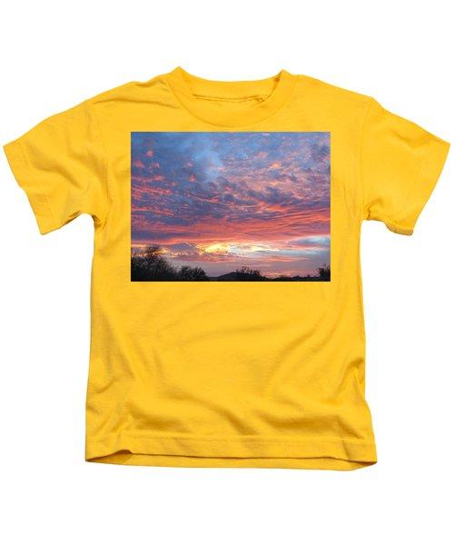 Golden Eye Landing In The Desert Kids T-Shirt