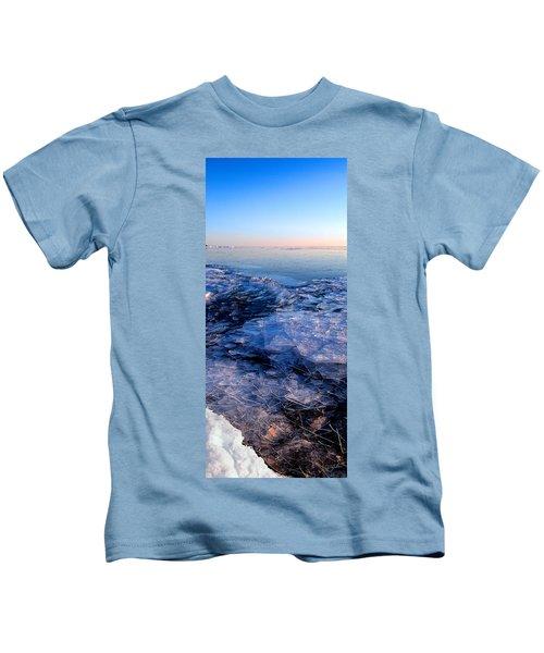 Superior Winter   Kids T-Shirt