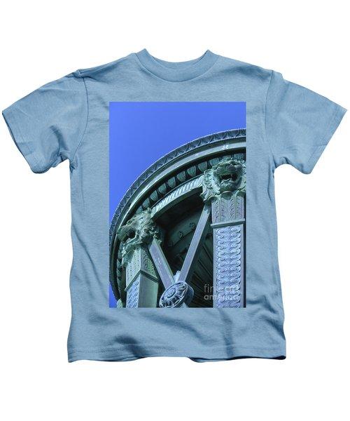 35x11 Perrys Victory Memorial Photo Kids T-Shirt
