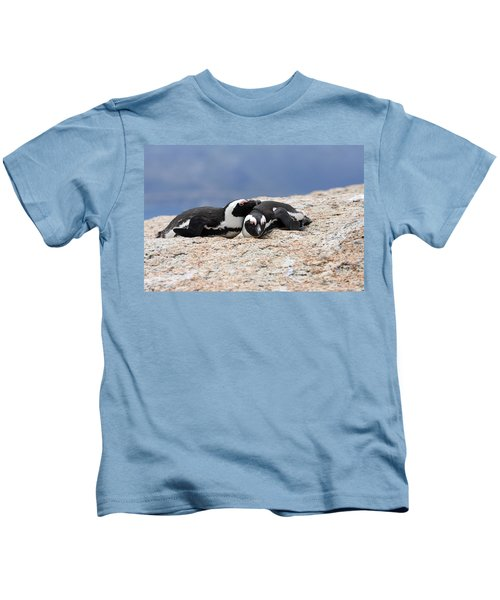 Close Bonds Kids T-Shirt