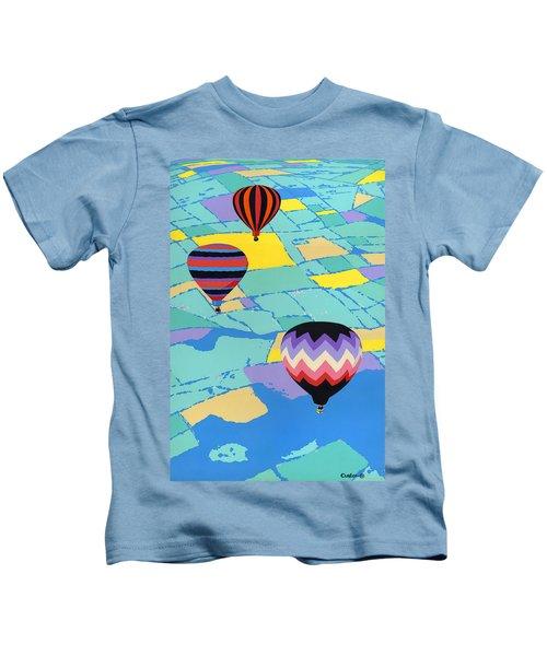 Abstract Hot Air Balloons - Ballooning - Pop Art Nouveau Retro Landscape - 1980s Decorative Stylized Kids T-Shirt