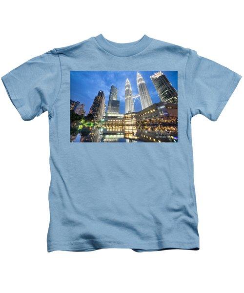 Kuala Lumpur Petronas Towers Kids T-Shirt