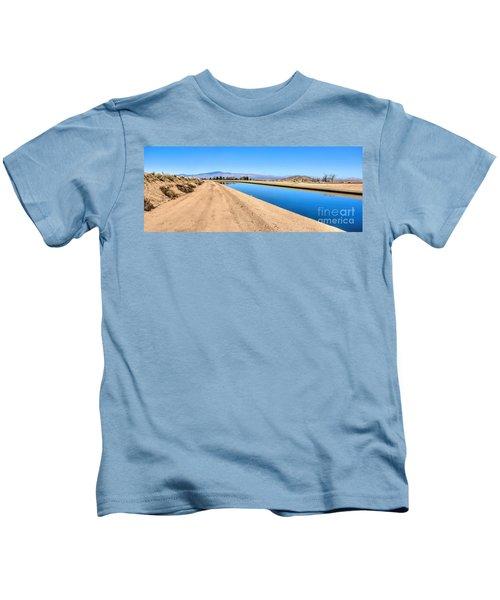 Aqueduct And The Tehachapi Mountains Kids T-Shirt