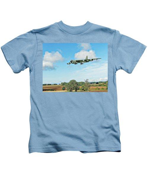 B52 Stratofortress -2 Kids T-Shirt