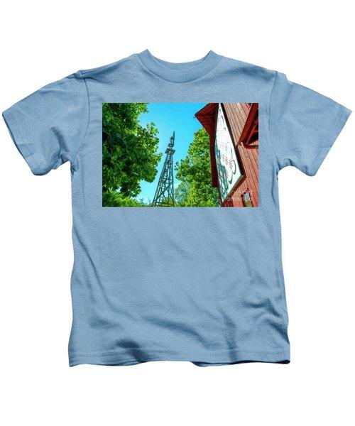 Barnquilt And Windmill Kids T-Shirt