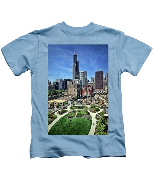 beautiful day and view of Chicago Kids T-Shirt