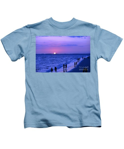 Blue Sunset On The Gulf Of Mexico At Fort Myers Beach In Florida Kids T-Shirt