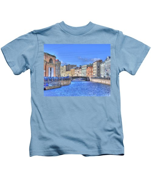 Canal In St. Petersburgh Russia Kids T-Shirt