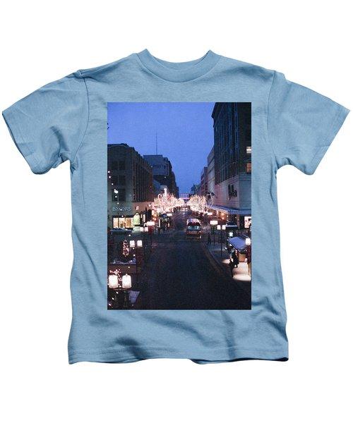 Christmas On The Mall Kids T-Shirt