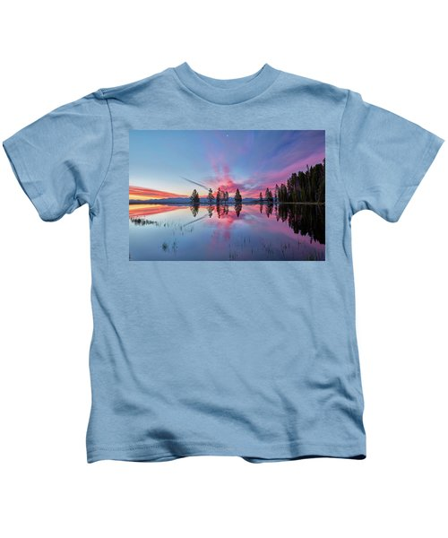 Gull Point At Sunrise Kids T-Shirt
