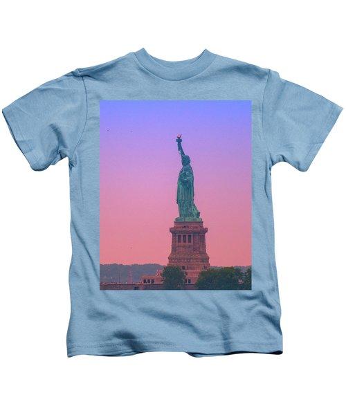 Lady Liberty, Standing Tall Kids T-Shirt