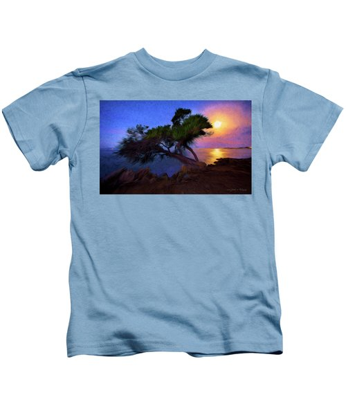 Lone Tree On Pacific Coast Highway At Moonset Kids T-Shirt