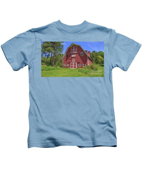 Montford Farm Red Barn Orford New Hampshire Kids T-Shirt