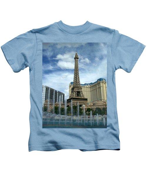 Paris Hotel And Bellagio Fountains Kids T-Shirt