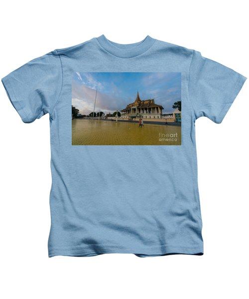 Phnom Penh Royal Palace Plaza Kids T-Shirt