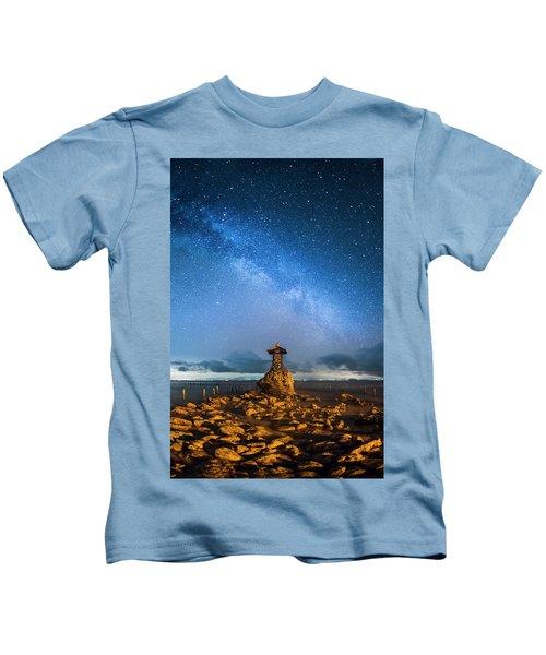 Sea Goddess Statue, Bali Kids T-Shirt