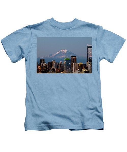 Seattle-mt. Rainier In The Morning Light.2 Kids T-Shirt