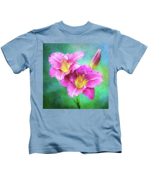 Dynamic Daylily Duo Kids T-Shirt