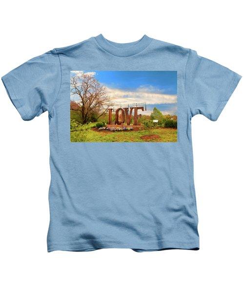 Love In Farmville Virginia Kids T-Shirt