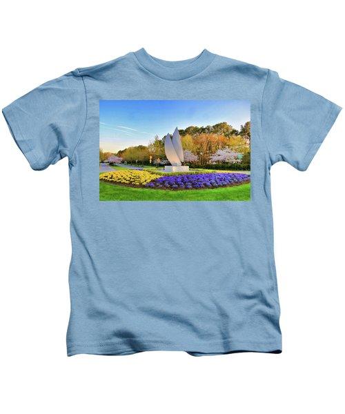 Springtime At Christopher Newport University Kids T-Shirt