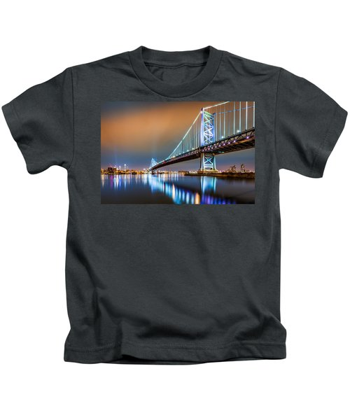 Ben Franklin Bridge And Philadelphia Skyline By Night Kids T-Shirt