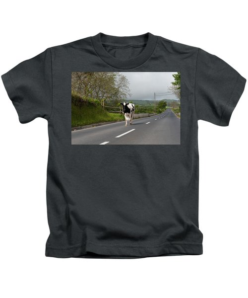 Cow Walks Along Country Road Kids T-Shirt